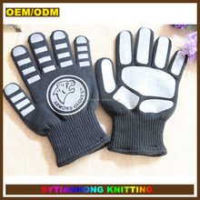 Chinese manufacturer slip-resistant bear paw printed funny long oven glove