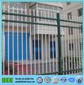 decorativa jardíninglés de puertas de hierro