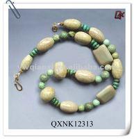 Large plastic bead necklace (QXNK12313)