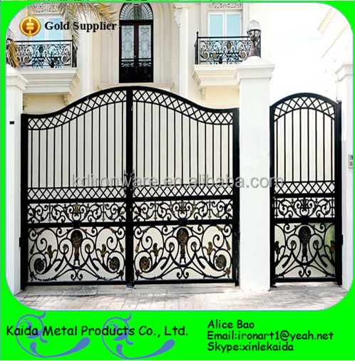 Iron gate wrought house design view