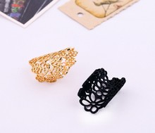 The new Europe and the United States alloy ring hollow out lace exaggerated personality female model
