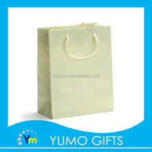 new style bright-colored packing shopping bag, apparel packaging kraft paper bag, cookies packing paper bag with handle