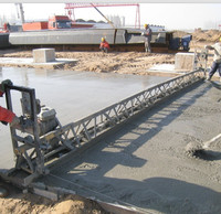 Brazil power screed machine 13 meters self levelling screed for sale(FZP-55/90/130)