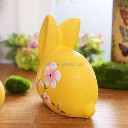 Garden decoration gift polyresin custom resin animal yellow rabbit toys for promotion