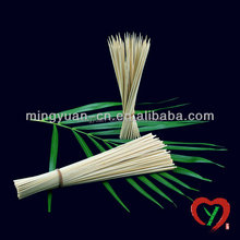 Disposable bamboo food skewers