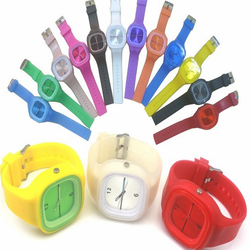 OEM >10 years experience jelly silicone watch feasible to send it to your friends