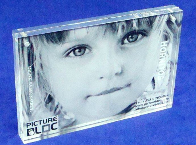 New style wholesale clear acrylic cube photo frame