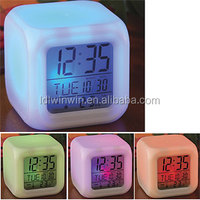 7 changing color table clock(WW-003)