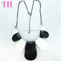 New style black and white metal sheet shape chain designer chunky necklace