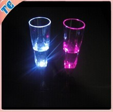 The Light Up Drinking Glass Champagne Glasses is Good for Wedding or Party and Ceremony