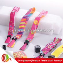 Souvenir use free custom logo event woven wristband, promotional fabric event band