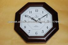reloj de pared de madera en estilo octágono