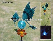 Nuevo diseño del jardín decoración pájaros de metal con luz solar