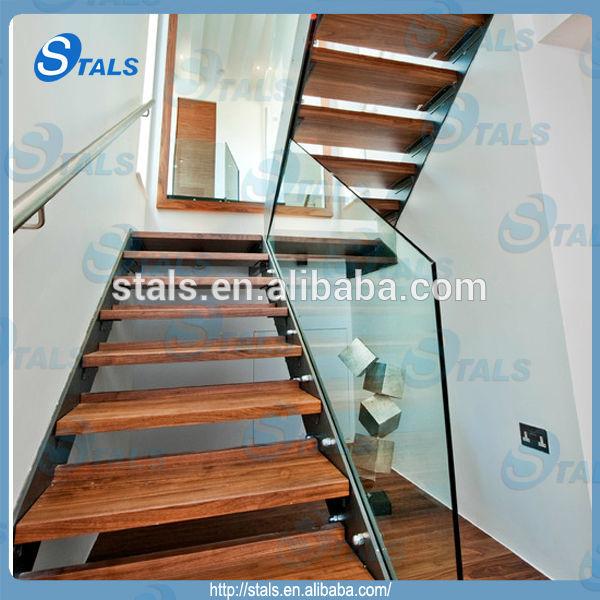 int rieure escalier rectiligne en acier rampe d 39 escalier. Black Bedroom Furniture Sets. Home Design Ideas