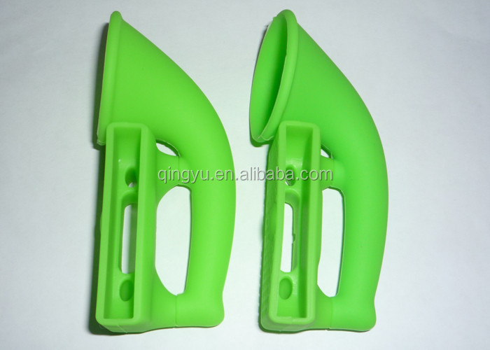 green_silicone_promotional_gift_iphone_strong_style_color_b82220_speaker_horn_strong_13_db_of_volume_amplified.jpg