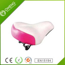 2015 High Quality Mountian Bicycle Saddle in Red Color