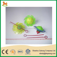 small cheap spinning top promotional toy for kid /promotional toy