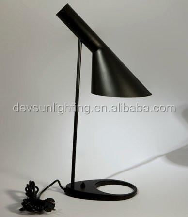 Lampada da comodino moderna louis poulsen lampada da tavolo aj ...