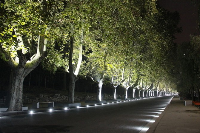 Outdoor illumination 9w ip68 multi color led landscape for Driveway landscape lighting