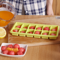 Wholesale for Delicated Design Colorful 12 Dividers Silicone Cola and Drinks Ice Cube Tray