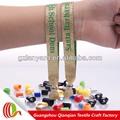 Hecho en China alta calidad productos religiosos personalizada tejida pulseras para fiesta