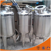 Extracted solution storage tank
