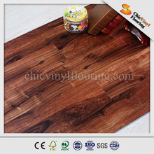 LVT flooring real wood pattern UV coating 5.0mm thickness.