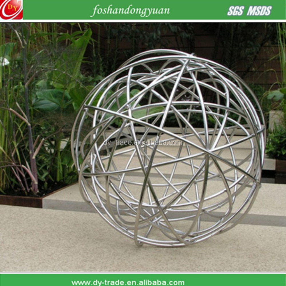 Hollow Garden Decorative Metal Wire Ball - Buy Garden Decorative ...