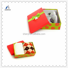 Mountain twisted handle colored paper box