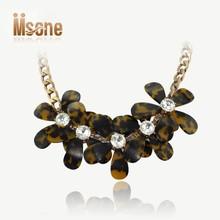 Resina y oro del acoplamiento de cadena de ámbar de diamantes vintage collar de la hoja