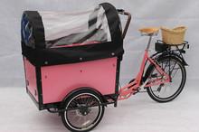 bicicleta com três rodas