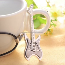 Fashion Jewelry Trend Stainless Steel Guitar Pick Necklace for Lovers