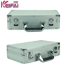 China Factory Direct Sale Lockable Roller Lux Tool Box With Foam