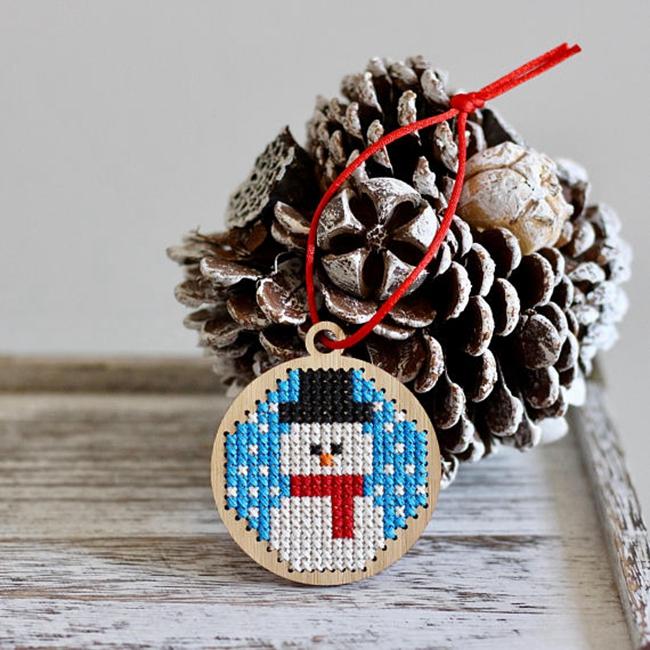 snowman cross stitch.jpg
