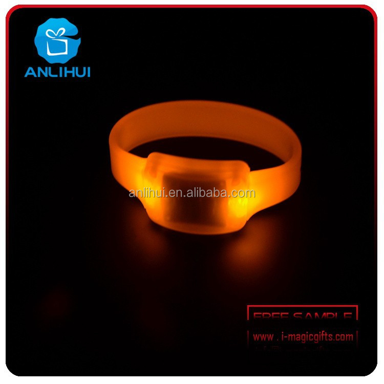 2015 Event Items Silicone Wristband Remote Controlled Led ...