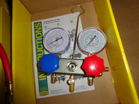 Top quality switzerland R410a Manifold gauge with charging hose