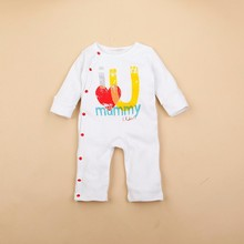 R&H China OEM customize eco-friendly clothes baby product, baby long sleeve romper newborn gift set, baby bibs accessories