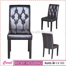 Moderno de madera y una silla de cuero