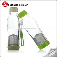 plastik kırmızı yalnız bardak atılabilir plastik çay bardak ve tabaklar toplu