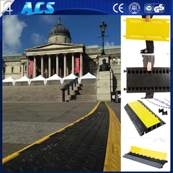 Yellow and Black Reflective Rubber 3 Channels Outdoor Cable Protector for concet and performance