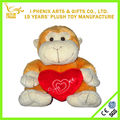 macaco de brinquedo de pelúcia com coração decoração do casamento