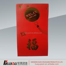 troca de envelope vermelho com o logotipo para livre