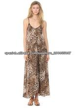La asimétrica dobladillo largo vestido de leopardo