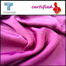 100% poliéster tejido satinado taladro sólido morir / dying reactiva amoníaco líquido con tratamiento térmico / de super soft touch tela vestido de moda