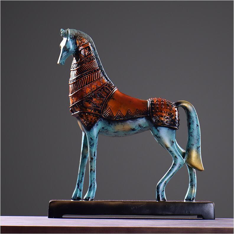 horse figurine.jpg