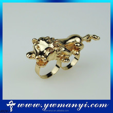 European Wholesale Alloy Double Finger unique fashion Animal jewelry two finger ring jewellery