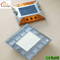 High Quality Sunlights Rechargeable Waterproof IP65 Solar LED Traffic Light Road