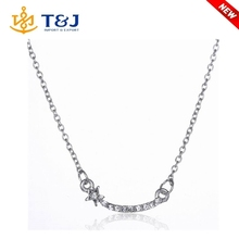 New design women fashion jewelry elegant gold silver plated crystal rhinestone alloy necklace simple pendant design