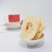 Dried fruit snacks in China apple crisps