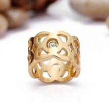 venta al por mayor anillos de la moda con el cristal de acero inoxidable anillo de oro con inicial